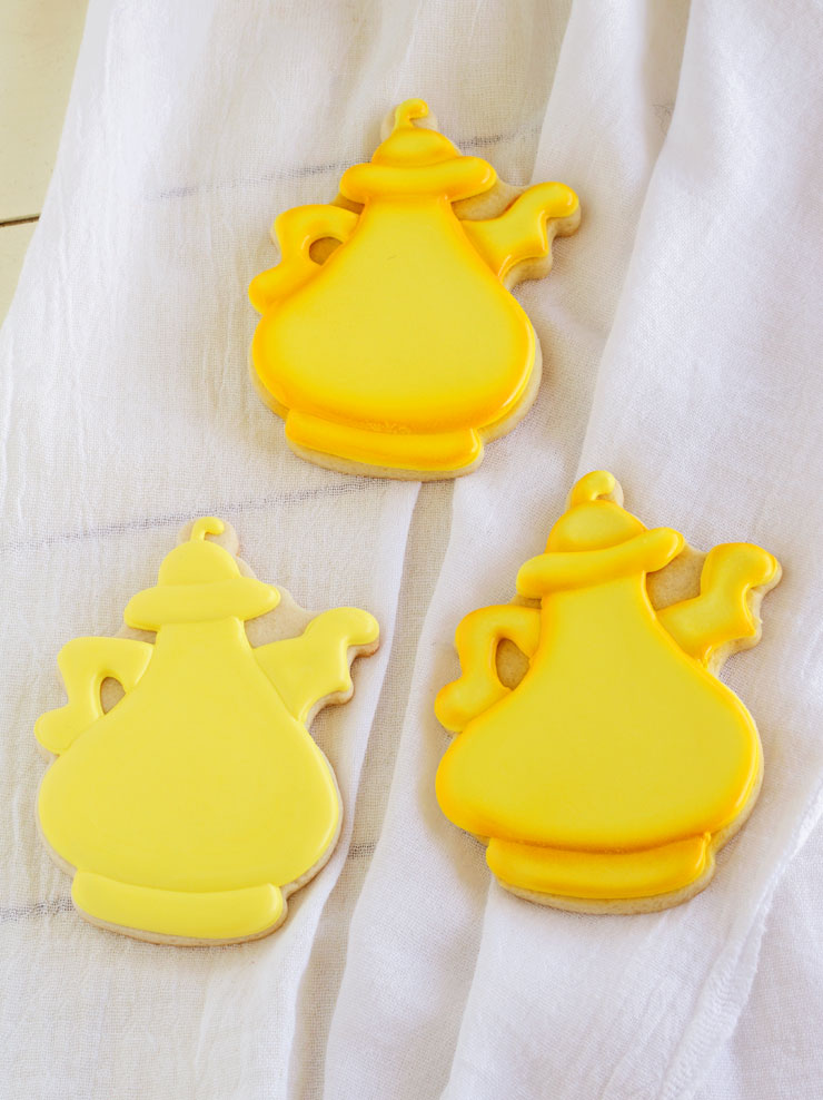 Fun Whimsical Coffee Pot Cookies | The Bearfoot Baker