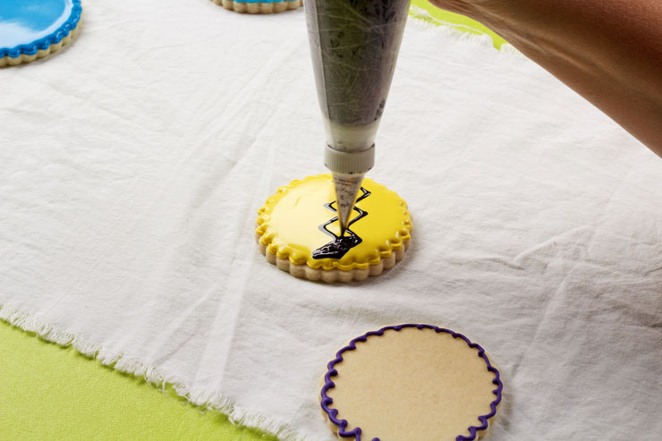 How to Make Simple Charlie Brown Cookies | The Bearfoot Baker