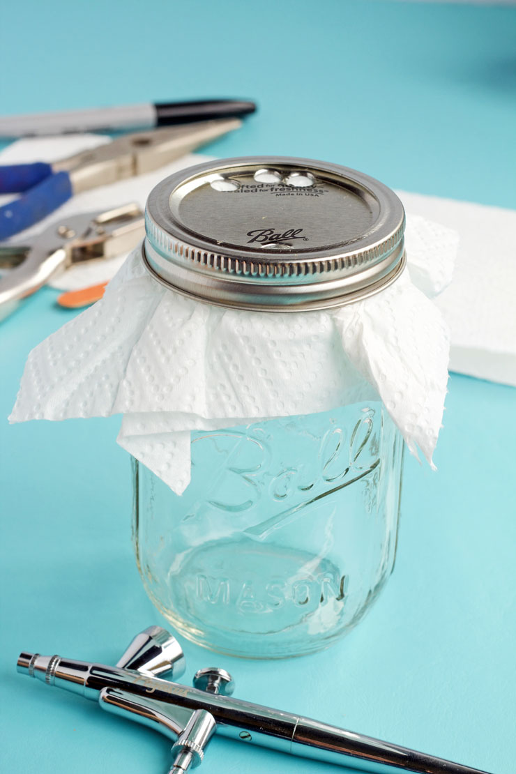 Inexpensive Airbrush Cleaning Pot | The Bearfoot Baker