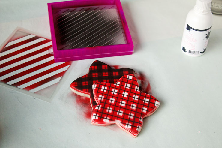 Simple Plaid Cookies You Can Make with an Airbrush Gun | The Bearfoot Baker