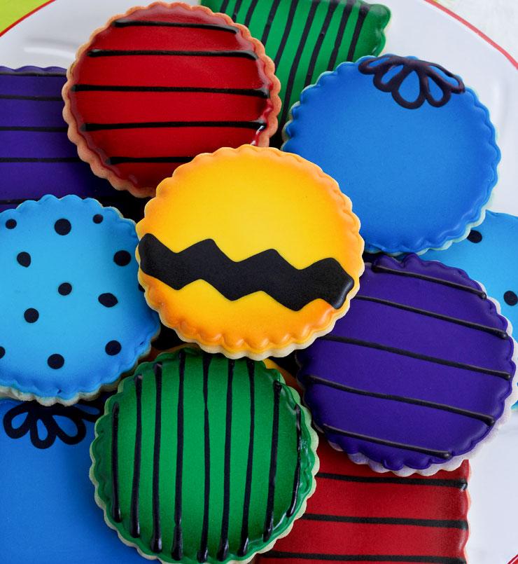 Simple and Fun Charlie Brown Cookies | The Bearfoot Baker