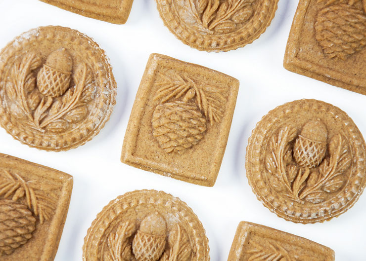 Springerle Joy Christmas Cookies   The Bearfoot Baker