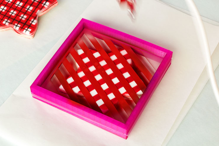 Stenciled Airbrushed Plaid Cookies | The Bearfoot Baker