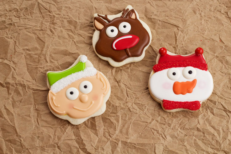 3 Simple Christmas Cookies with one Owl Cutter | The Bearfoot Baker