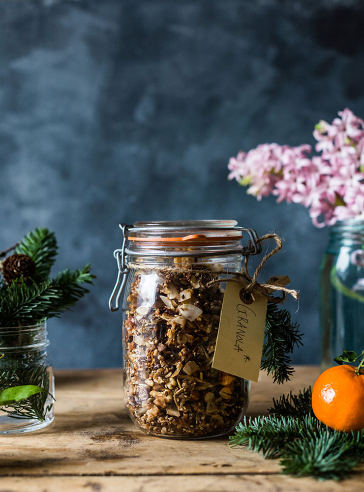 Homemade Christmas Granola by The Food Club Food Gifts for Christmas | The Bearfoot Baker