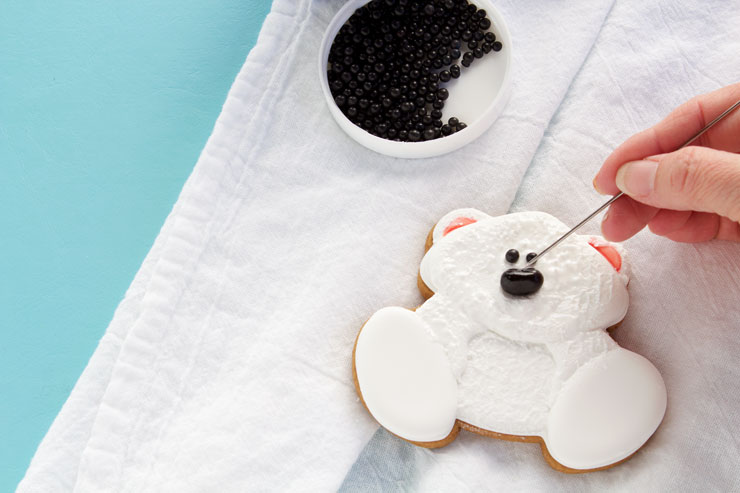 How to Easy Make Decorated Polar Bear Cookies | The Bearfoot Baker