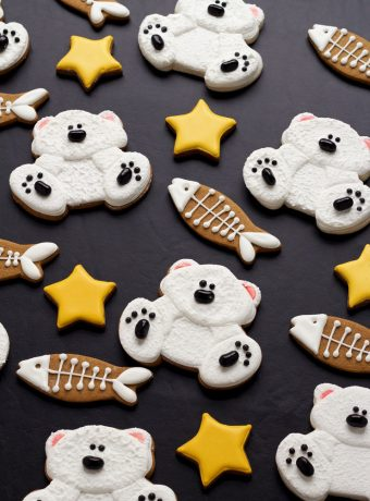 How to Make Simple Decorated Polar Bear Cookies   The Bearfoot Baker