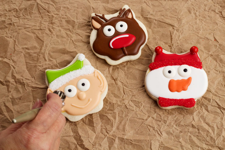 How to add Cheeks to the Simple Christmas Cookies | The Bearfoot Baker