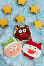 Simple Christmas Cookies with an Owl Cutter