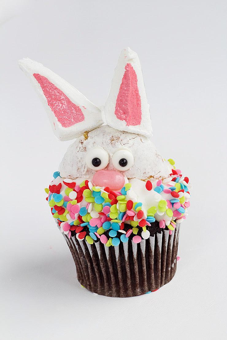 Easy, Cute Bunny Cupcakes | The Bearfoot Baker