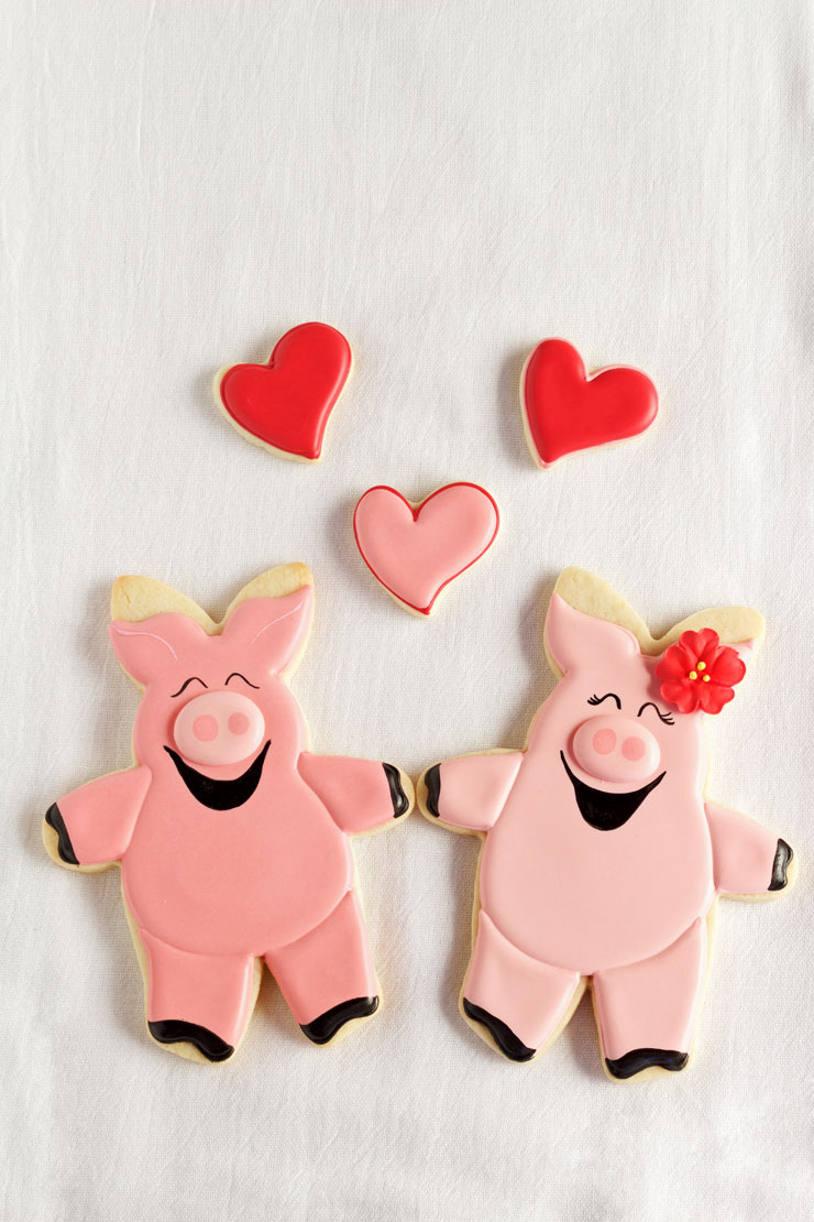 Hogs and Kisses Valentine's Cookies | The Bearfoot Baker