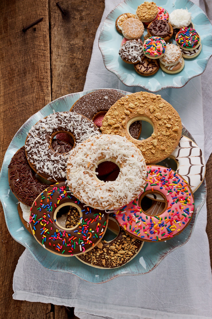 How-to-Make-Donut-Cookies-and-Use-Them-for-Valentine's-Cookies | The-Bearfoot-Baker