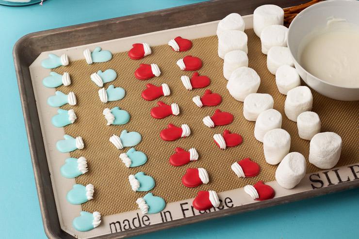 How to Make Marshmallow Snowmen | The Bearfoot Baker