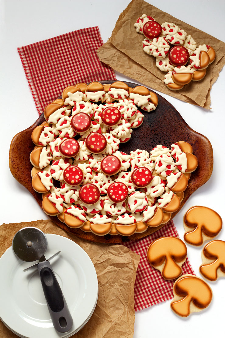 How to Make an-Easy Pizza Cookie Platter and Use it for Valentine's Cookies | The Bearfoot Baker