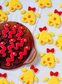 How to Make Cute Little Chick Cookiws with Video | The Bearfoot Baker