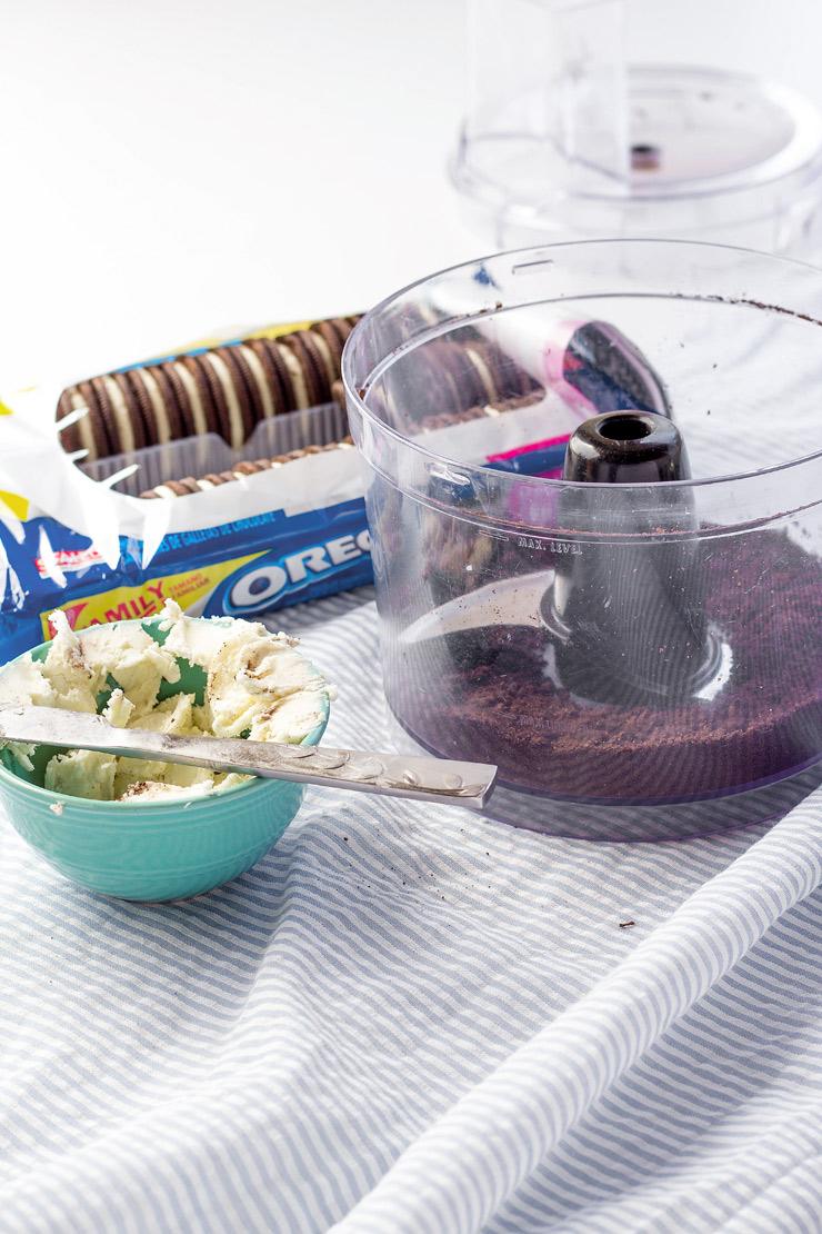 How to Make Fun Hanging Mug Bunny Cookies | The Bearfoot Baker