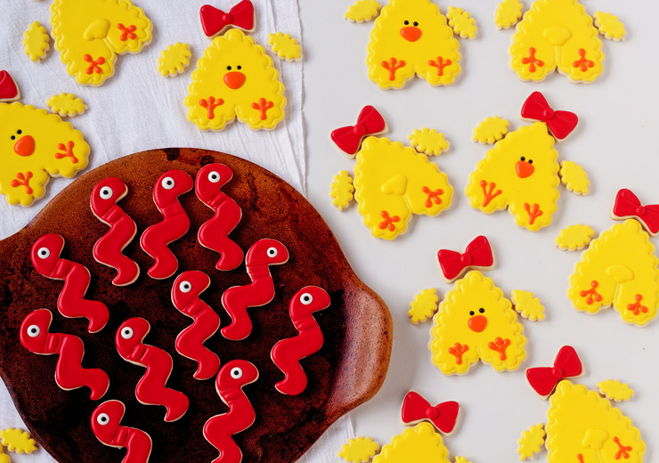 How to Make Simple Chick Cookies with Video | The Bearfoot Baker