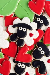 How to Make Simple Decorated Sheep Cookies with Royal Icing | The Bearfoot Baker