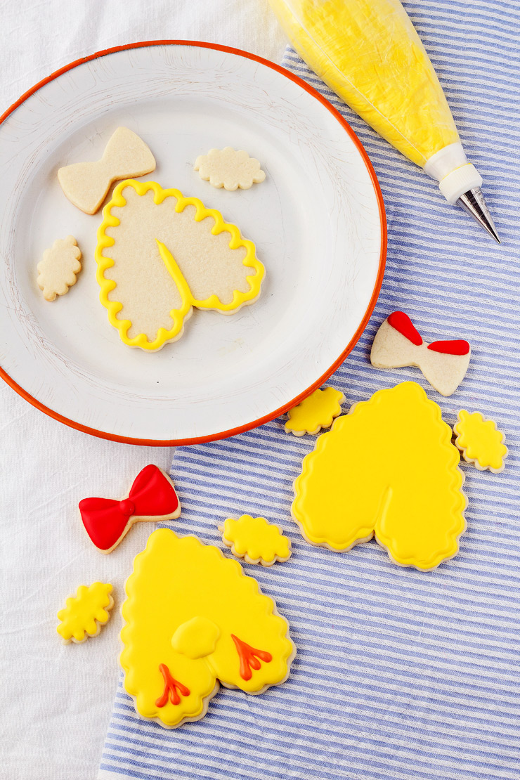 How to Make Simple Little Chick and Chick Tushy Cookies with a Video | The Bearfoot Baker