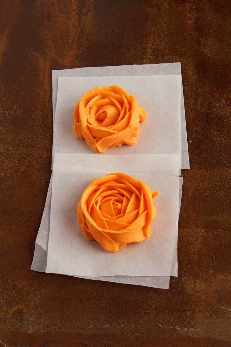 Make professional cakes with one awesome tip the bearfoot baker - How to make decorative cakes ...