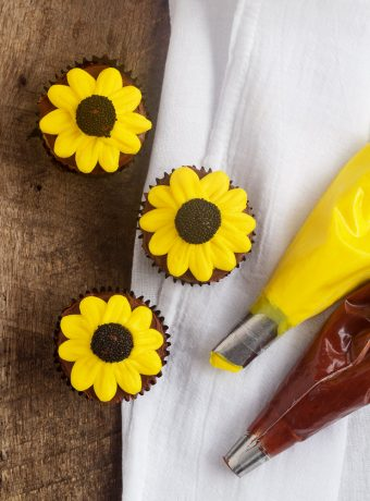Learn How to Make Cute Simple Daisy Cupcakes with Video | The Bearfoot Baker