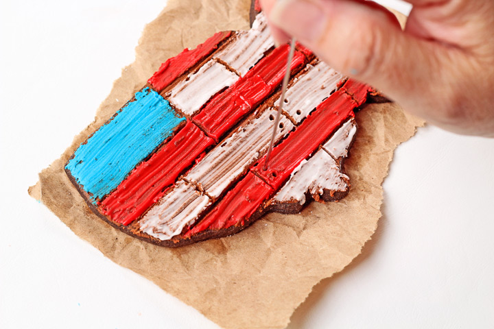 How to Make Simple American Flag Cookies with a Video | The Bearfoot Baker
