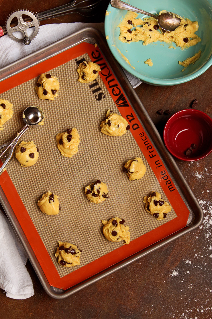 Simple Chocolate Chip Cookie Recipe From a Cake Mix | The Bearfoot Baker
