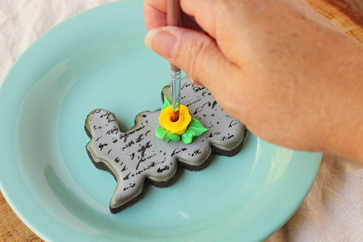 Simple Train Cookie Tutorial | The Bearfoot Baker
