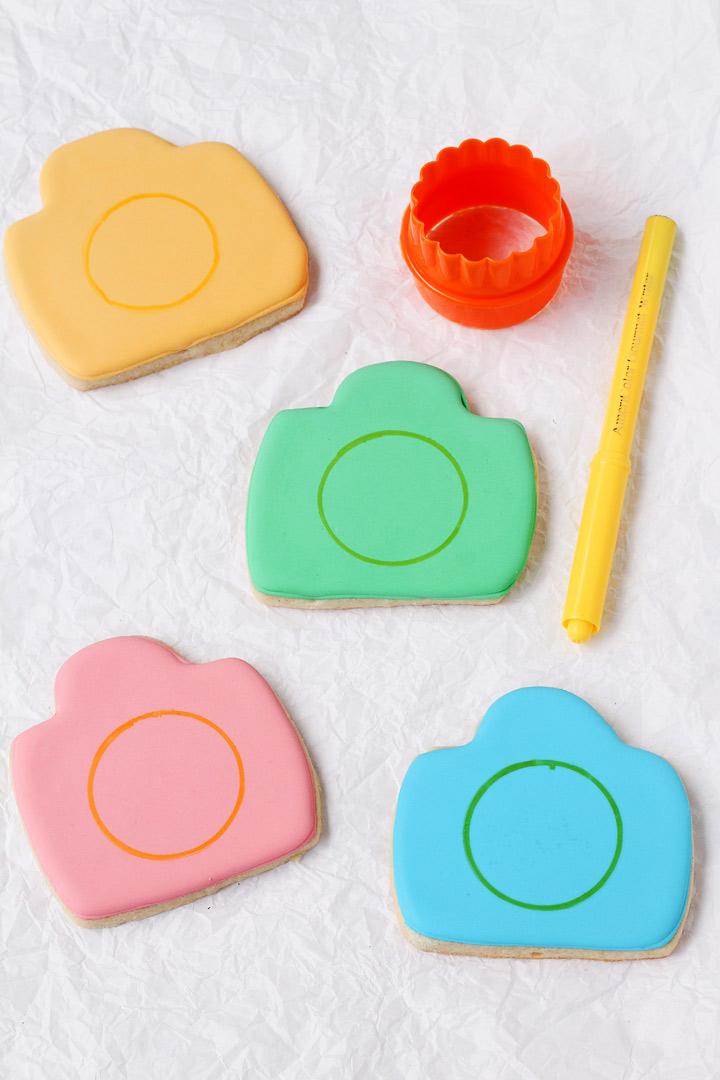 How to Make Camera Cookies   The Bearfoot Baker
