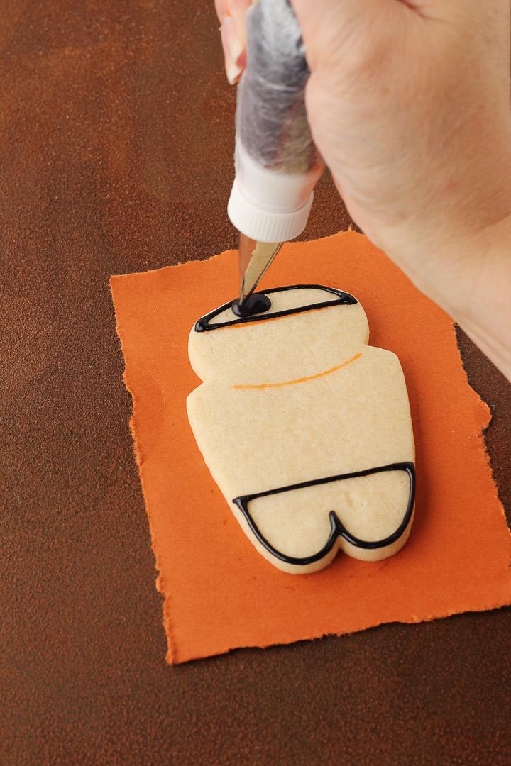 How to Make Cute Star Trek Cookies | The Bearfoot Baker