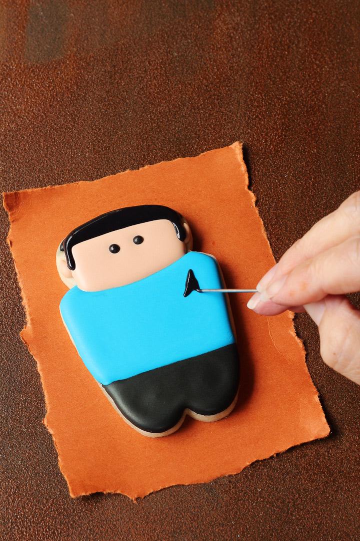How to Make Fun and Simple Star Trek Cookies | The Bearfoot Baker