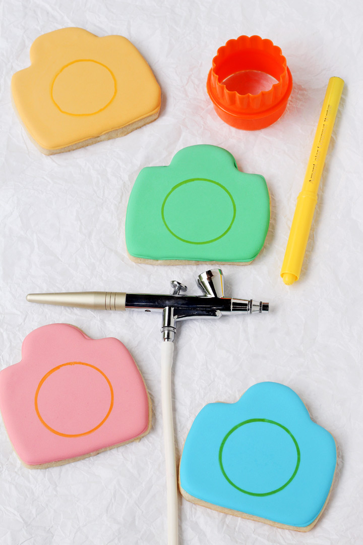 How to Make These Fun Camera Cookies   The Bearfoot Baker
