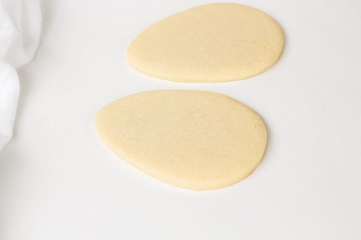Shape Shifter Cookie Cutter to Make Ballet Slipper Cookies | The Bearfoot Bake