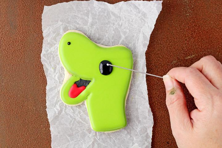 Fun Dinosaur Cookies | The Bearfoot Baker