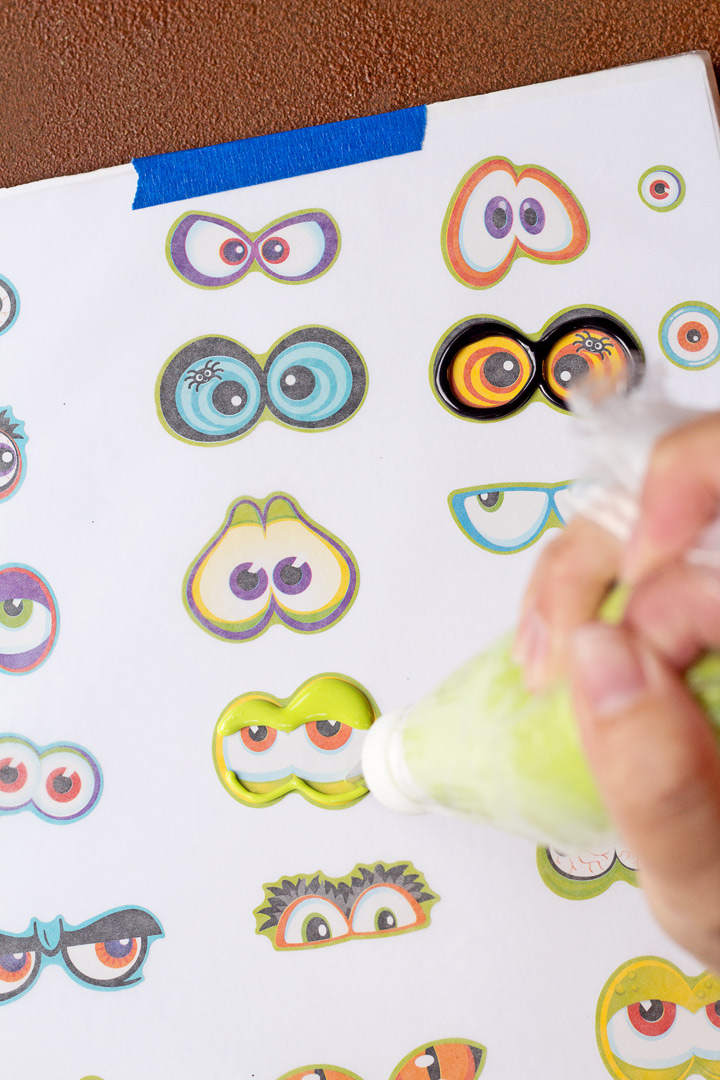How to Make Spooky Candy Eyes with Royal Icing and a Step by Step Video | The Bearfoot Baker