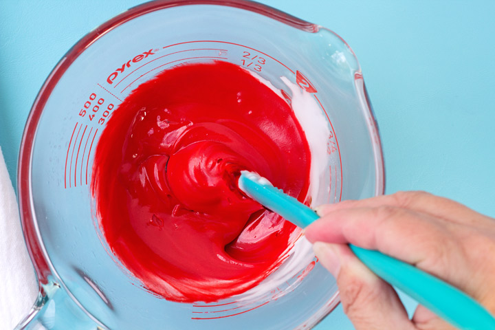 how to make bright red icing