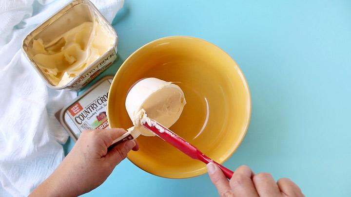 Make It Yours™ Oatmeal Raisin Mama Bear Cookies | The Bearfoot Baker
