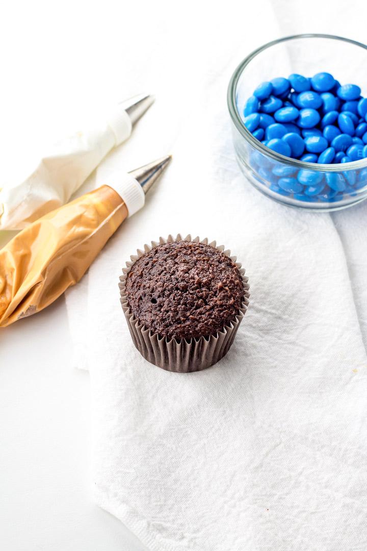 Cute Pie Cupcakes | The Bearfoot Baker