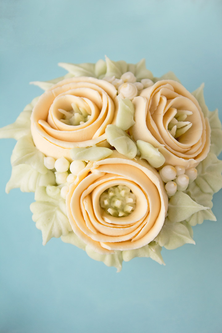 How to make Buttercream Ribbon Roses | The Bearfoot Baker