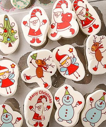 How to Make Cute Christmas Meringues with Sugar Stamps   The Bearfoot Baker
