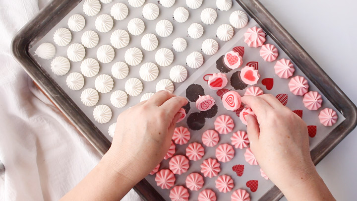 How to Make Wedding Meringues with Sugar Stamps | The Bearfoot Baker