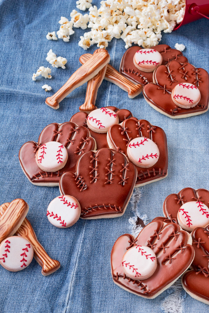 How to Make Simple Baseball Cookies with an Easy to Follow How to Video | The Bearfoot Baker