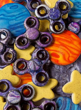 How To Make Fun Fidget Spinner Cookies And A Giveaway | The Bearfoot Baker
