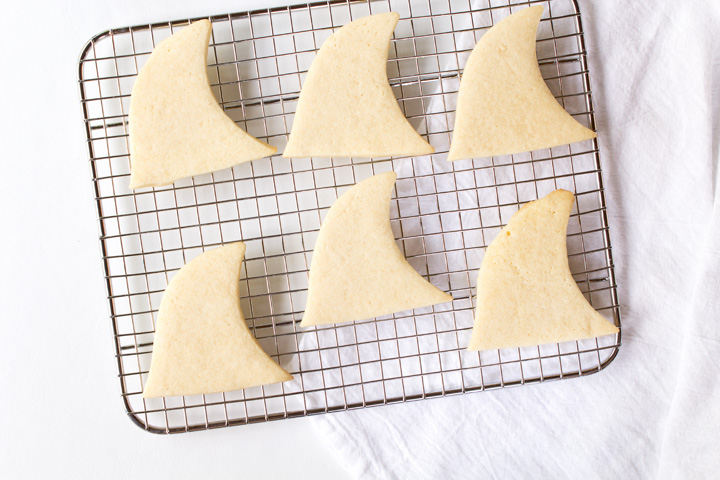 How to Make Fun Shark Fin Cookies with a How to Video | The Bearfoot Baker