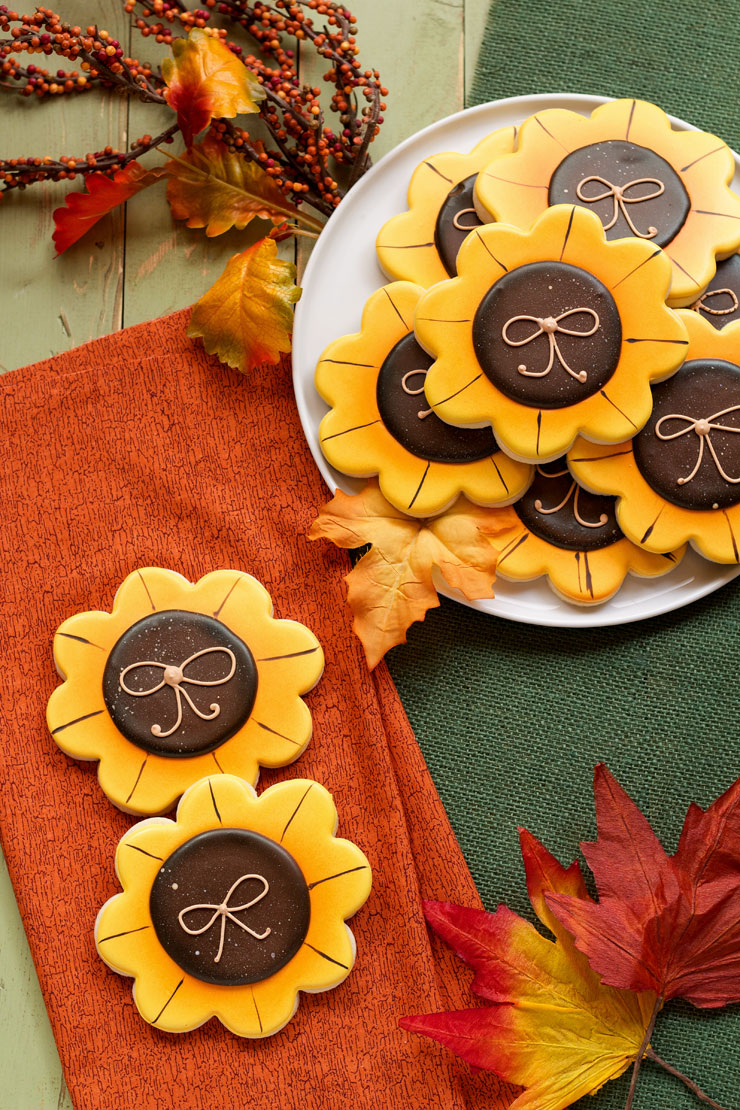 Simple Sunflower Cookies- Make these simple fall cookies decorated with royal icing | The Bearfoot Baker