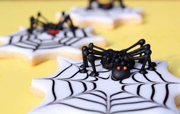 7 Halloween Treats That are Fun and Simple and a Little Creepy | The Bearfoot Baker