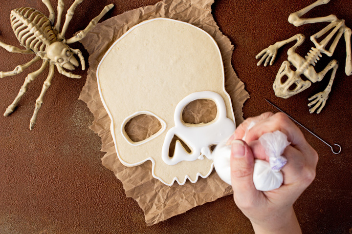 How to Make Scary Halloween Sugar Cookies with a How to Video | The Bearfoot Baker