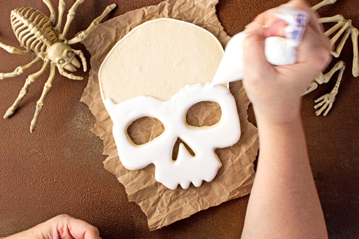 How to Make Scary Halloween Sugar Cookies with a Video | The Bearfoot Baker