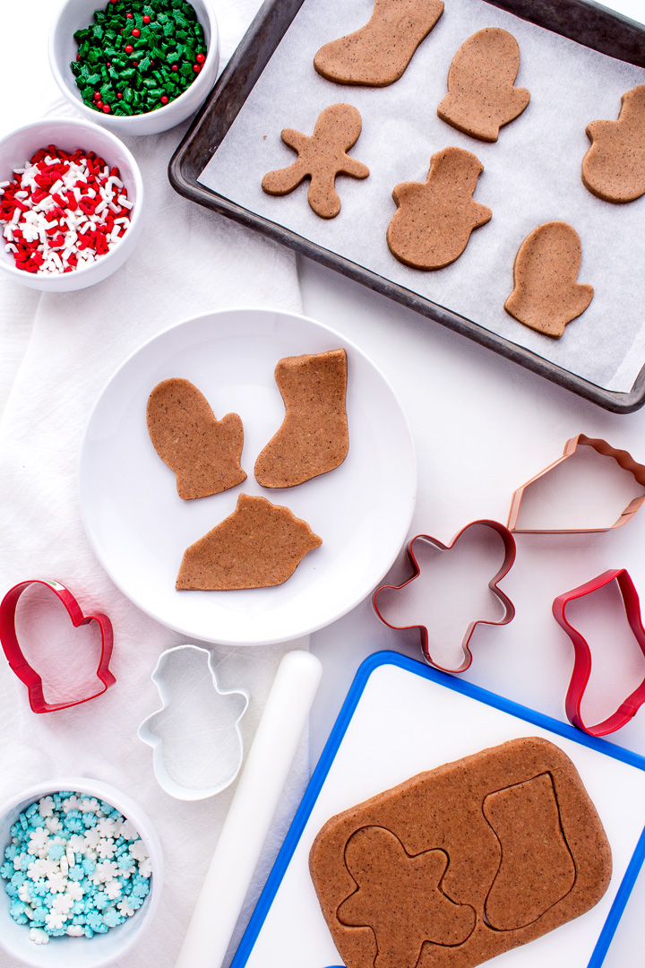 How to Make Gingerbread Playdough for Christmas | The Bearfoot Baker