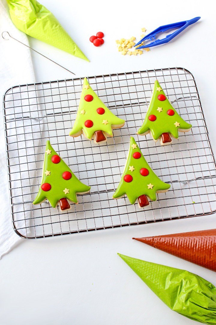How to Make Adorable Christmas Tree Cookies | The Bearfoot Baker